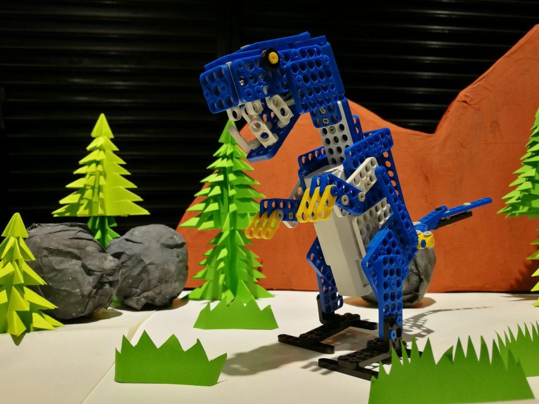 Dream World Robotics Jurassic World Blue