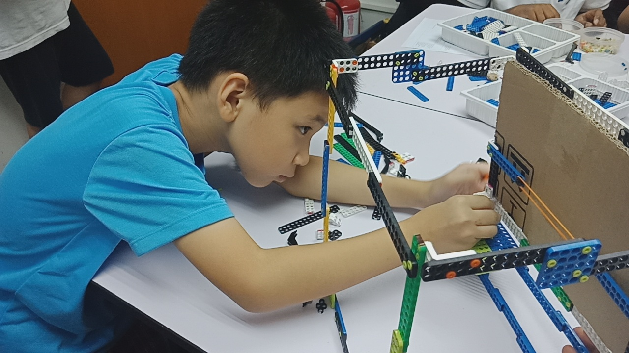 Dream World Robotics Steam Education