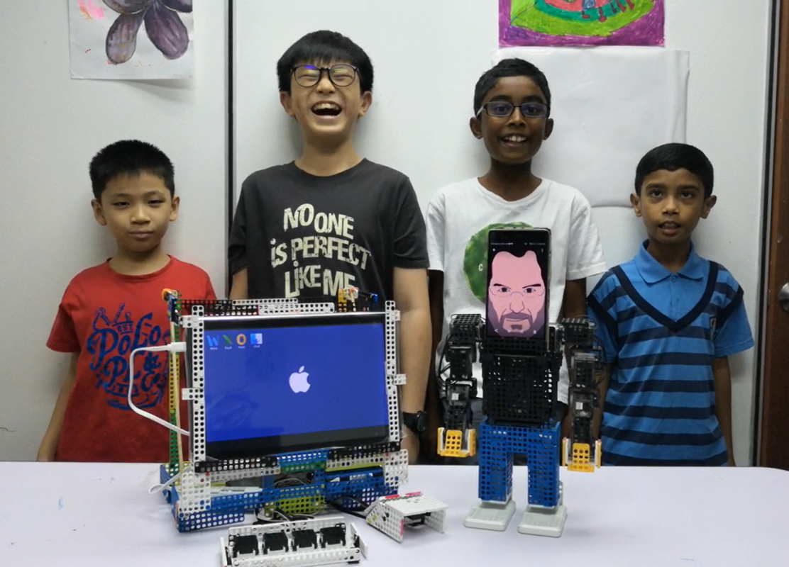 Dream World Robotics-Steve Jobs & Mac Project